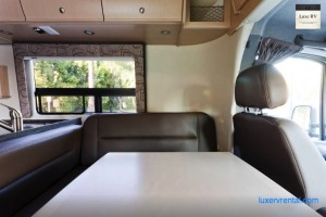 rv renting from los angeles