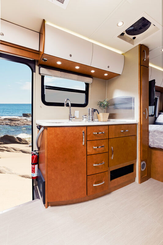 RV Rental Unity Luxurious Camper