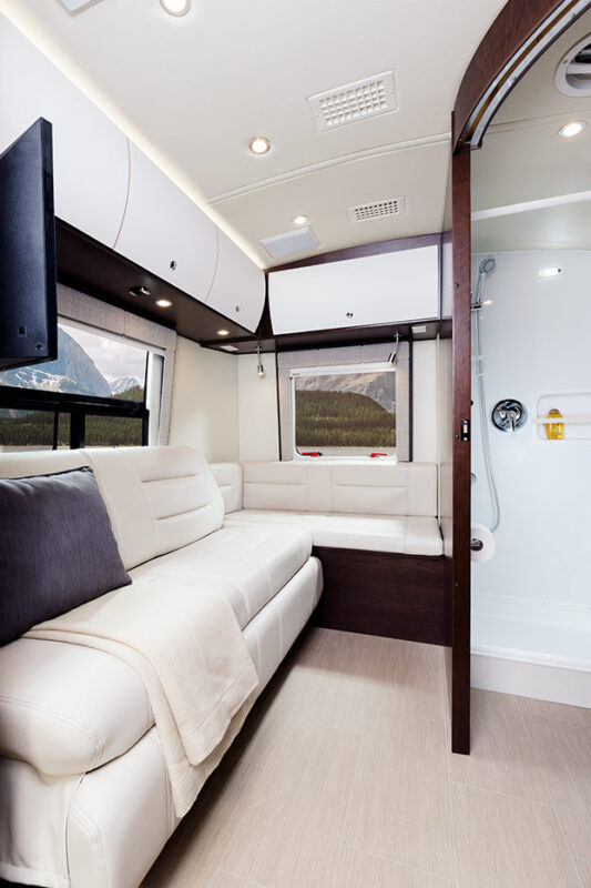 Lounge Area Leisure Serenity 2016 Luxe Rv