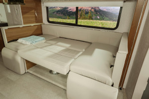 Rent an RV Mercedes Winnebago 2nd bed