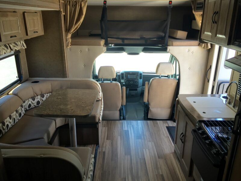 RV Rental San Diego - Luxe RV 11