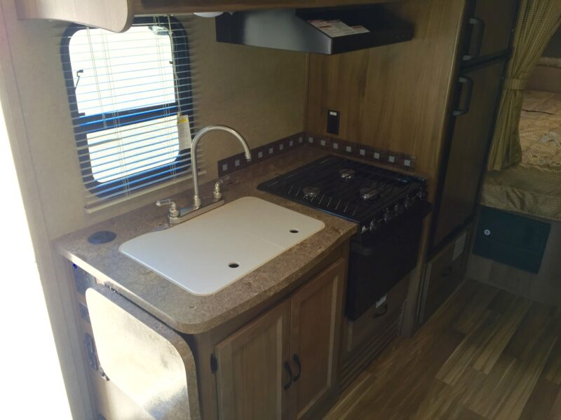 RV kitchen travel - Luxe RV 14