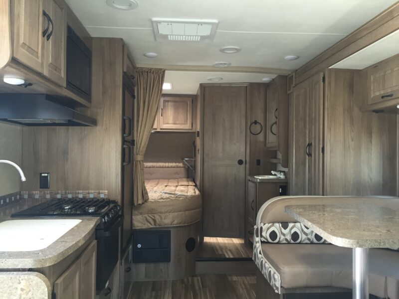 Rent an RV San Francisco - Luxe RV 10