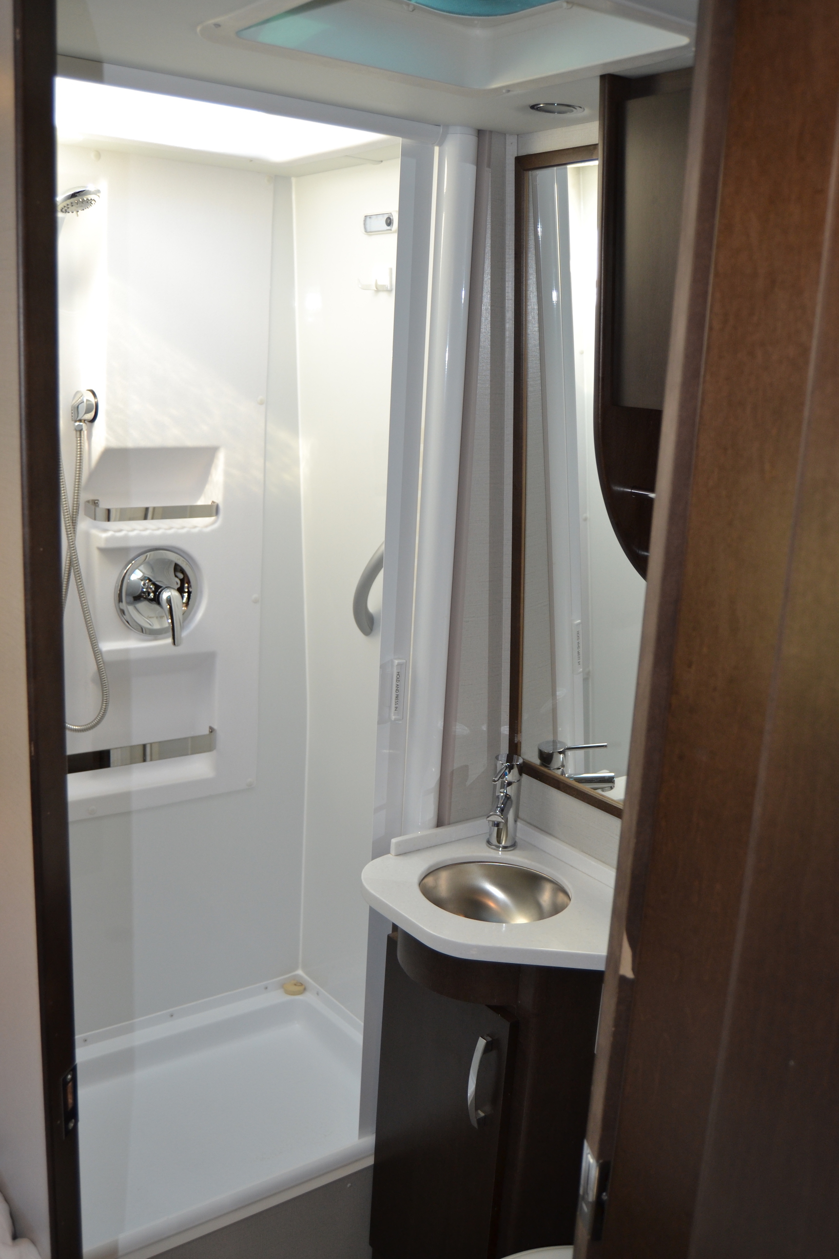 bathroom leisure unity Luxe RV