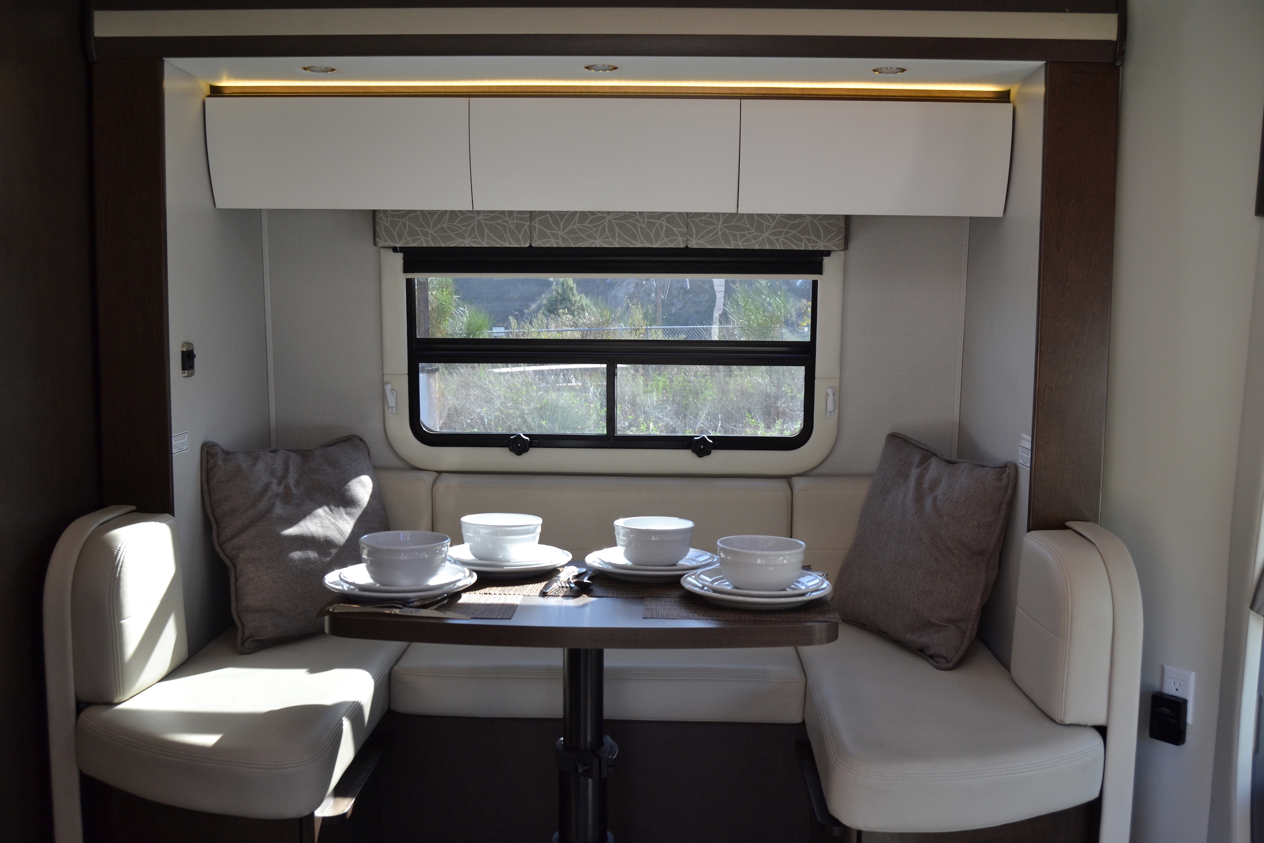 dinning table Leisure Unity Luxe RV