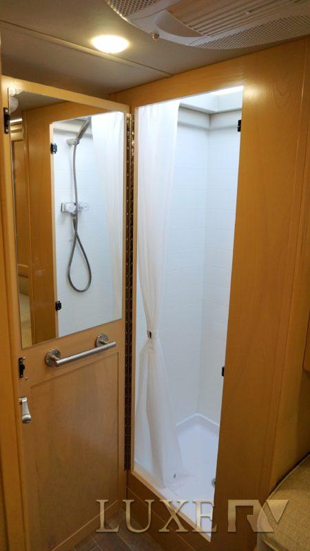 ultra rv rental bathroom